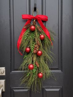 Door hanging christmas accent