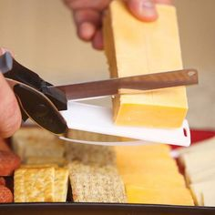 Product Image for Clever Cutter® 2-in-1 Knife and Cutting Board 3 out of 4