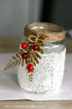 A Snowy Luminary. Crafts For Teens To Make, Diy Crafts To Sell, Easy Crafts, Christmas Jars, Craft Night, Dollar Store Crafts, Deco Table, Mason Jar Crafts, Spring Crafts