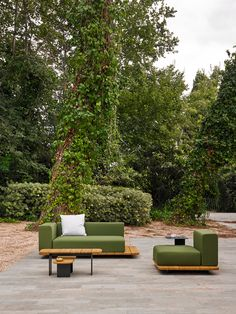 Spanish outdoor furniture company POINT has been around for 100 years, producing high-quality collections that focus on craftsmanship and modern designs.