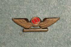 Rare Vintage NORTHWEST AIRLINES Souvenir Junior Plastic Pilot Wings Pin, GUC!