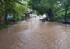 Honduras: Onda tropical dejará fuertes lluvias en la zona sur Los acumulados de agua debido a las precipitaciones alcanzarán hasta los 60 milímetros La ciudad de Choluteca colapsó la semana anterior luego de una tormenta de dos horas. http://www.elheraldo.hn/pais/997156-466/honduras-onda-tropical-dejar%C3%A1-fuertes-lluvias-en-la-zona-sur