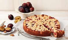 schneller Pflaumenkuchen - The world's most private search engine Quick Fruit Cake, Baking Recipes, Cake Recipes, German Apple Cake, Fire Food, Plum Cake, Asian Cooking, Food Cakes, Afternoon Snacks