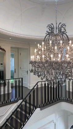 Showroom Interior Design, Luxury Homes Interior, Luxury Home Decor, Rich Girl Bedroom, Dream House Exterior, Elegant Homes, Home Decor Kitchen, House Rooms, Diy Bedroom Decor