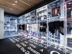 Holiday 2018 Nike Just Do It campaign Retail initiate at Nike SOHO and Nike Grove Display Design, Store Design, Sporting Stores, Nike Retail, Brisbane Airport, Nike Store, Retail Interior, Facade Design, Shop Interiors