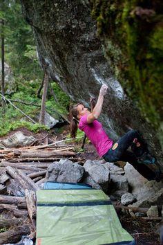 #AnnaStoehr - #Mammut #Bouldering #Climbing  pura vida pic: reini fichtinger