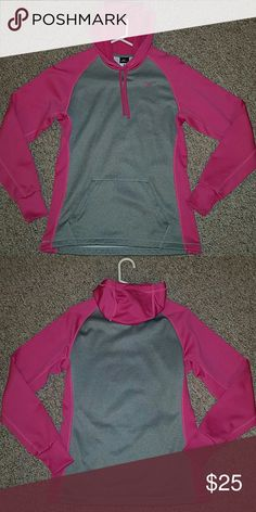 Nike Therma-Fit Small Sweatshirt Excellent condition. Worn once or twice. Nike Sweaters Crew & Scoop Necks