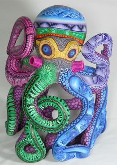 Mata Ortiz, Juan Quezada, Casas Grandes Pottery and Oaxacan Wood Carvings - Alebrijes, Oaxacan Animals.
