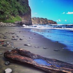 Pololu Valley, #BigIsland #Hawaii / photo by easyIDcard.com All About Hawaii, Hawaiian Homes, South Pacific, Big Island, Hawaii Travel, Hospitality, Culture, Spaces, Water