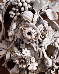 Wood carvings by the master Grinling Gibbons -- St. James Church in Piccadilly was designed by Sir Christopher Wren and consecrated by the Bishop of London in beautiful limewood carving is part of the reredos above the main altar, Instalation Art, Motif Floral, Shades Of White, Architectural Elements, Wood Sculpture, Rococo, Architecture Details, Wood Art, Sculpting