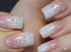 30 festive Christmas acrylic nail designs: Snowflake nail designs