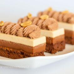 Cukroví Archiv - Strana 3 z 3 - Víkendové pečení Brownie Cupcakes, Cheesecake Brownies, Krispie Treats, Rice Krispies, Mini Cheesecakes, Desserts, Cookies, Food, Mascarpone