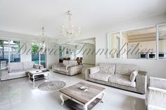 Sumptuous and bright living room for a house in the heart of Paris, located in the quiet and trendy Buttes Chaumont area