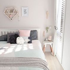 Small bedroom getting you down? We feel you. Get tips on how to maximize your small bedroom with design, decor, and layout inspiration. Small bedroom ideas, design and storage from the world's top Scandinavian Bedroom Decor, White Bedroom Decor, Bedroom Diy, Cool Dorm Rooms, Bedroom Storage For Small Rooms, Kids Bedroom Remodel, Woman Bedroom, Pastel Bedroom, Remodel Bedroom