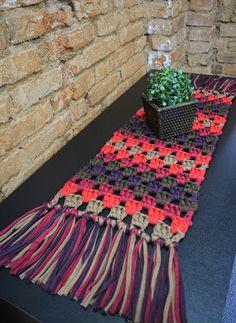 Crochet Table Mat, Crochet Table Runner Pattern, Crochet Baby Dress Pattern, Crochet Placemat Patterns, Crochet Doilies, Beginner Crochet Projects, Crochet For Beginners, Crochet Shark, Crochet Home