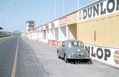 http://mydadsphotos.shendy.co.uk/wp-content/gallery/motorsport_europe_reims1959/T_A009_15.jpg