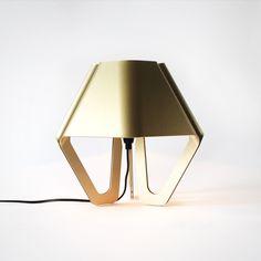 Aydınlatma ve Dekor Dünyasından Gelişmeler: Bas Vellekoop'dan Hexa Masa Lambası #aydinlatma #lighting #design #tasarim #dekor #decor