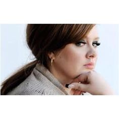 Adele doin' the 60's look!!!