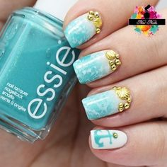 Beautiful Summer Nail Art. Inspire by the Beach and the Ocean. Published in our Douglas Beauty Community DE and created by: NisiNails