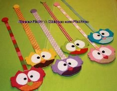 Marca-páginas corujinhas ... ♥♥♥   Desenho original aqui! Ob…   Flickr Owl Crafts, Cute Crafts, Crafts For Kids, Arts And Crafts, Paper Crafts, Sewing Projects, Craft Projects, Projects To Try, Felt Bookmark