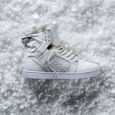 Happy Holidays from everyone at SUPRA! http://www.suprafootwear.com/contests/win-the-skytop4-12-2-13-organic?utm_source=pinterest&utm_medium=sweepstakes-$10&utm_campaign=win-the-skytop4