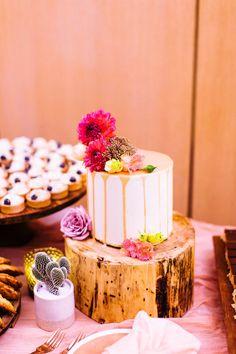 Parker Palm Springs wedding by wedding planner Wild Heart Events. Palm Springs California, California Wedding, Funky Wedding Cakes, Cactus Centerpiece, Bohemian Chic Weddings, Parker Palm Springs, Ethereal Wedding, Pink Garden, Wedding Cake Inspiration