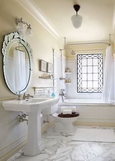 Interior, Traditional Bathroom Design With Large Round Mirror White Standing Sink Shower Tub Combination White Shower Curtain Interior Design Photos Vintage Interior That Still Perfect: Interior Design Photos – Vintage Interior That Still Perfect This Day 1920s Bathroom, French Bathroom, Victorian Bathroom, Bathroom Marble, White Bathroom, Craftsman Bathroom, Narrow Bathroom, Craftsman Kitchen, Industrial Bathroom