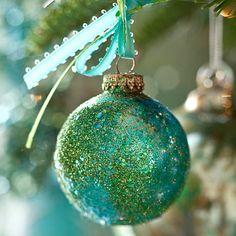 that pretty turquoise showing up in an ornament