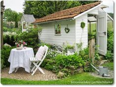 Broceliandes garden dreams a cottage garden in Be - Small Front Yard Garden Greenhouse Shed, Greenhouse Gardening, Farm Gardens, Outdoor Gardens, Amazing Gardens, Beautiful Gardens, Dream Garden, Home And Garden, Garden Art