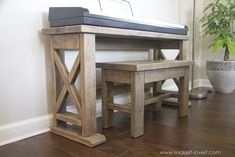 DIY Digital Piano Stand plus Bench (...a $25 project!!)   Make It and Love It Piano Table, E Piano, Piano Bench, Bar Bench, Piano Bar, Bench Seat, Woodworking Furniture Plans, Diy Woodworking, Woodworking Patterns