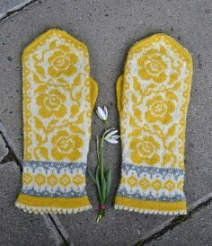 Ravelry: Project Gallery for Ruffles and Roses pattern by JennyPenny