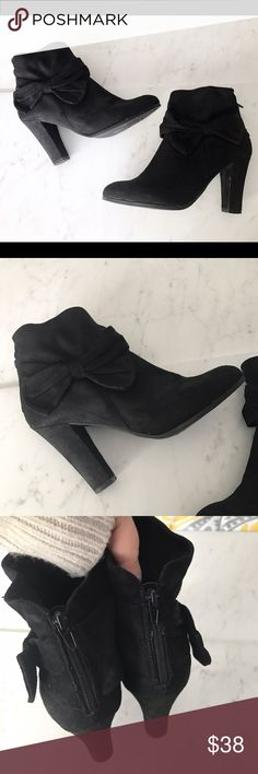 Winter Sale❄️Black Bow Booties Suede black bow booties with zip back. So adorable and perfect to dress up skinnies, skirts or dresses this winter. Hardly worn! No trades. Impo Stretch  Shoes Ankle Boots & Booties