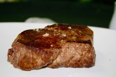 Moelleuses & Persillées est une restaurant spécialisé dans le boeuf de race sublimé par la maturation et la cuisson grill. Restaurant aux Chartrons.  M&P, votre restaurant spécialisé en viande maturée