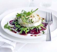 Earthy beetroot works perfectly with creamy goat's cheese for an easy but impressive starter, from BBC Good Food magazine. Goat Cheese Recipes, Goat Cheese Salad, Pasta Cheese, Goats Cheese Starter, Bbc Good Food Recipes, Healthy Recipes, Spicy Recipes, Baking Recipes, Tapas