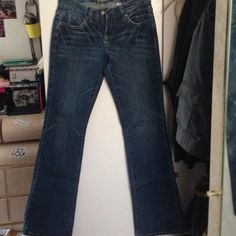 Bebe jeans! blue jeans with embroidered back pockets bebe Jeans