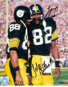 John Stallworth & Lynn Swann When I was kid,i wanted to be just like these two. Every Saturday and Sunday at the school field I was playing football and making catches like these two! That's what I told myself! Pittsburgh Steelers Wallpaper, Pittsburgh Steelers Players, Steelers Pics, Pittsburgh Sports, Nfl Football, Football Players, Dallas Cowboys, Steelers Team, Pittsburgh City