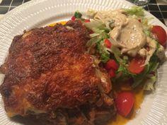 Jeg har alle dage elsket en god hjemmelavet lasagne, nu lykkedes det mig endelig at lave en god LCHF version af det.  Opskrift 500 g hakketoksekød 1 løg 1 fed hvidløg 1 ds. stor tomatkoncentrat 1 ...