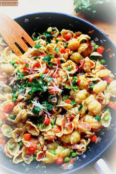 ComedorArteSano: Pasta con tocino, zanahoria y guisantes/ Muszelki z marchewką, groszkiem i boczkiem