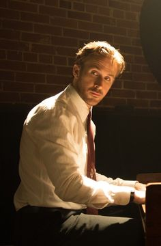 La La Land: Yes, that really is Ryan Gosling Playing the Piano!