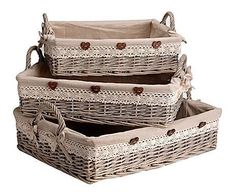 RÚSTICO & GLAM: Set de 3 bandejas en mimbre y tela – natural y beige Newspaper Basket, Newspaper Crafts, Bathroom Baskets, Baskets On Wall, Wicker Hamper Basket, Cane Baskets, Upcycled Home Decor, Basket Decoration, Shabby