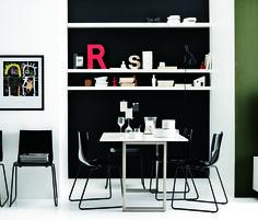 Dining room decorating by Danish Bo Concept Boconcept, Dining Room Furniture, Dining Chairs, Furniture Inspiration, Design Inspiration, Black House, Scandinavian Design, Kitchen Dining, Room Decor