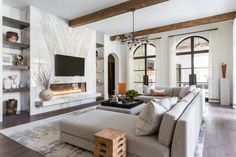 Inside this Issue: Décor   Traditional Home