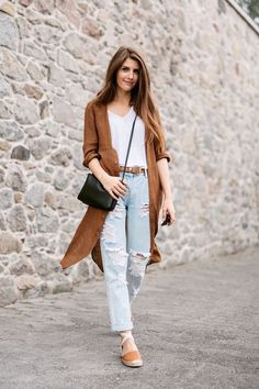 5. Ripped Jeans With Coat And Tee 2017 Street Style