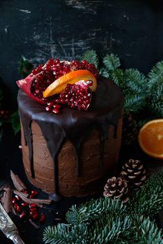 Wholesome gluten-free, nut-free & vegan chocolate orange cake with chocolate orange teff frosting. Cupcakes, Cupcake Cakes, Gluten Free Chocolate, Vegan Chocolate, Cake Chocolate, Cake Baking Tins, Tortillas Veganas, Cake Recipes, Dessert Recipes
