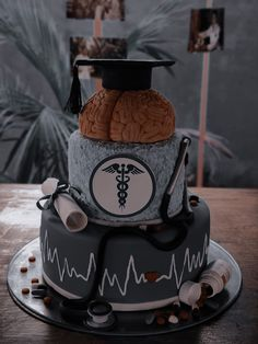 Medical Quotes, Medical Careers, Pretty Cakes, Cute Cakes, Med Doctor, Medicine Student, Cake Decorating Techniques, Cake Designs, Dessert Recipes