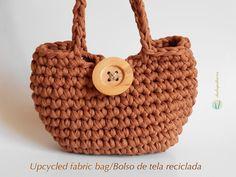 Upcycled fabric bag/ Bolso de tela reciclada