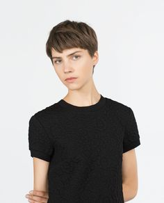 Today we have the most stylish 86 Cute Short Pixie Haircuts. Pixie haircut, of course, offers a lot of options for the hair of the ladies'… Continue Reading → Short Choppy Hair, Short Dark Hair, Short Pixie Haircuts, Girl Short Hair, Hairstyles Haircuts, Short Hair Cuts, Cool Hairstyles, Pelo Guay, 90s Grunge Hair