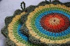 Free potholder pattern, (or coaster). Just lovely, thanks so xox