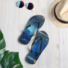 nat. seacaving flip flops Summer On You, Us Man, Saturated Color, Carbon Footprint, Textile Prints, Black Rubber, Staycation, Deep Blue, Soft Fabrics