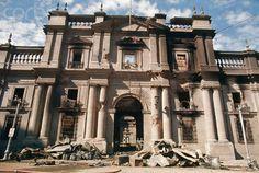 La Moneda en ruinas